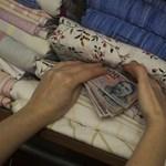 Mindent üt a készpénz