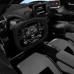Úgy áriázik az 1160 lóerős Aston Martin Valkyre, ahogy azt kell – videó