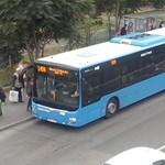 Lecigányoztak és lerángattak egy fiatalt a 7-es buszról