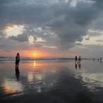 Bali: a világ legszebb naplementéje - videók