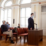 Részben beismerte bűnösségét a tanárát Győrben megkéselő fiú