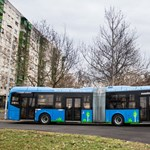Már az összes új hibrid busz Budapesten van
