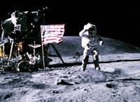 Örökségvédelem alá helyezné az első holdra szállás helyét az Európai Űrügynökség vezetője