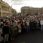 Élőlánc-tüntetés: a magyar szuverenitás volt a téma