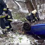 Patakban landolt egy autó Miskolc mellett – videó