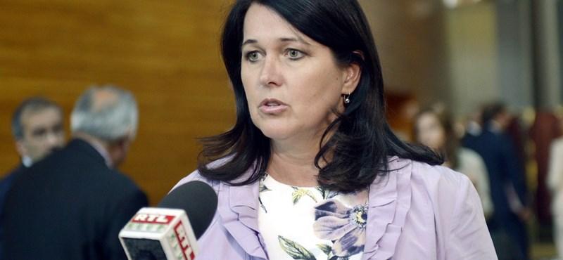 Pelczné nem érti, miért szavazta le a pártja a nőket védő egyezményt