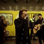 Félbeszakadt a U2 berlini koncertje, mert elment Bono hangja