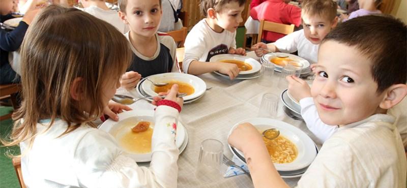 Tankonyhában tanulhatnak főzni a nagyszentjánosi általános iskolások