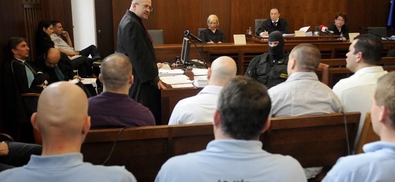 Cozma-gyilkosság: 18 év lett az életfogytiglanból