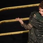 Olivia Colman meghatódottsága és zavara volt az Oscar-gála legimádnivalóbb része