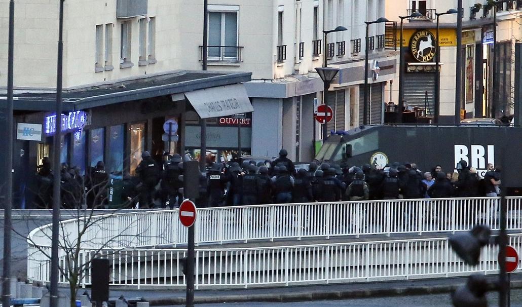 afp. túszmentés -  lövöldözés Párizsban, Párizsi vérengzés, Charlie Hebdo, túszejtés, túszdráma, Dammartin-en-Goele, 2014.01.09.