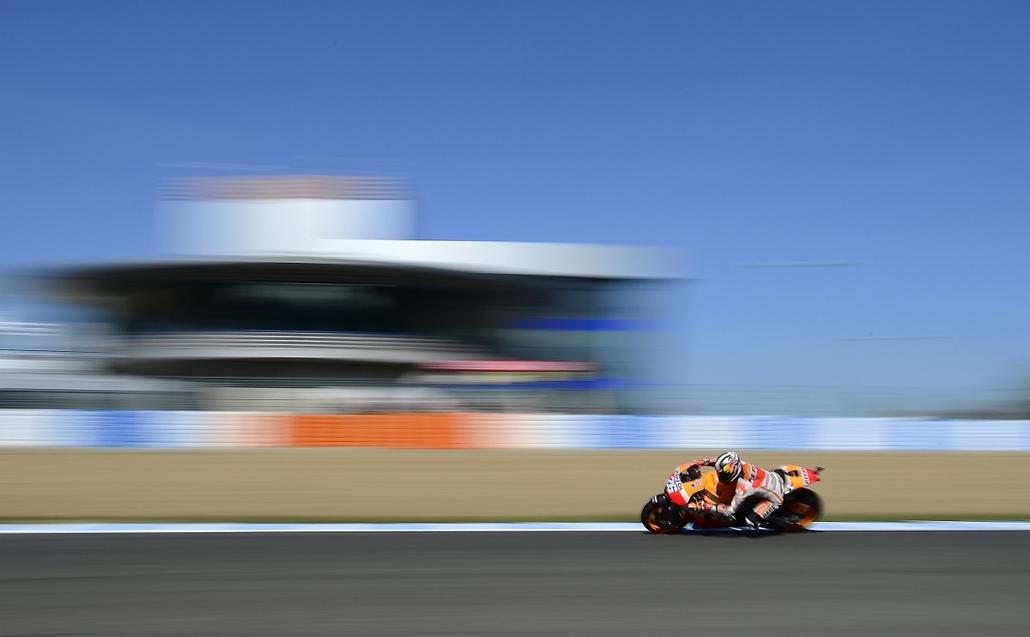 afp.14.05.02. - Jerez de la Frontera, Spanyolország: a spanyol Dani Pedrosa az első MotoGP szabadedzésén -  - 7képei