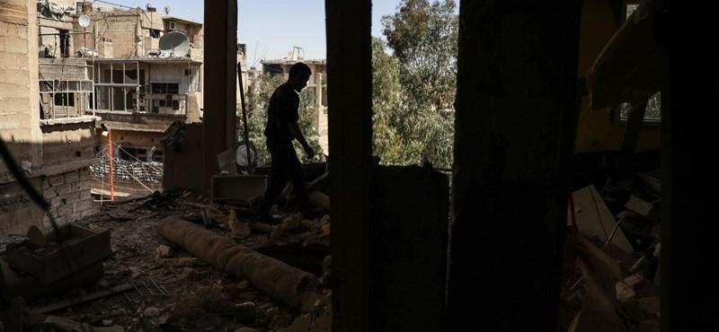 Franciaország odacsap: talán most már elvehetik Aszadtól a Becsületrendet