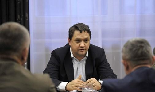 Megbízható katona tűzközelben: még újságírói végzettsége is van a Színművészeti új kancellárjának