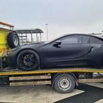 Nem csoda, hogy kíváncsiak lettek a rendőrök Csanádpalotánál erre a BMW-re