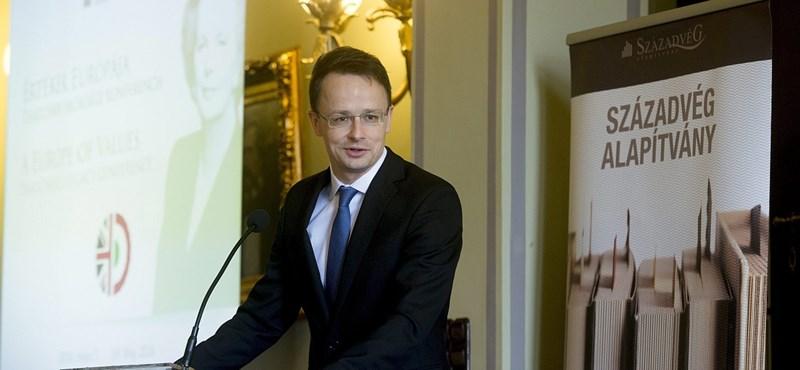 Pökhendiséggel vádol Szijjártó egy uniós minisztert