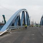 Nemsokára kész a Százlábú híd, vasárnap lesz a próbaterhelés