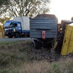 Fotók: súlyos kamionbaleset az 55-ös úton