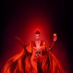 Világvége Milla Jovovich-csal: így készült a szexi Campari fotónaptár (videó)