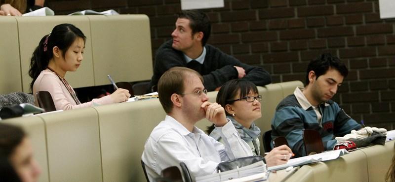 Rendelet szabályozhatja a diplomások kivándorlásának kérdését