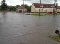 Képek jöttek a tatai özönvízről