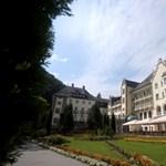 Az első éjszaka joga: Mészáros Lőrinc és a nemzeti hotelbiznisz