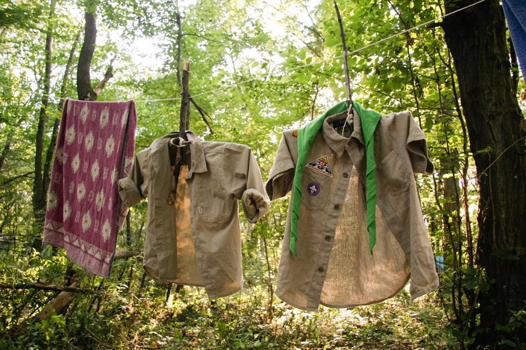 2010. július - Vöröstó: átlagos erdei ruhásszekrény - cserkészet, cserkész, cserknagy