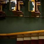 Politikusok érettségi nélkül: kevesebb a szakiskolai végzettségű képviselő a parlamentben