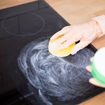 Soron kívüli engedélyt kapott Amerikában egy tisztítószer, amely egy hétre elpusztítja a koronavírust