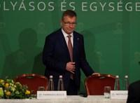 Árt-e a Fidesznek a jegybank, ha most a kanyarban előzés helyett a kanyarban fékez?