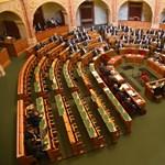 Megszavazhatják a lex Czeglédyt, új ombudsmant választ a parlament