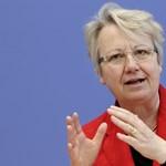 Plágiummal vádolják a német oktatási minisztert is