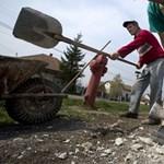 Szakértők szerint bizonytalan a közmunka-programok sikere