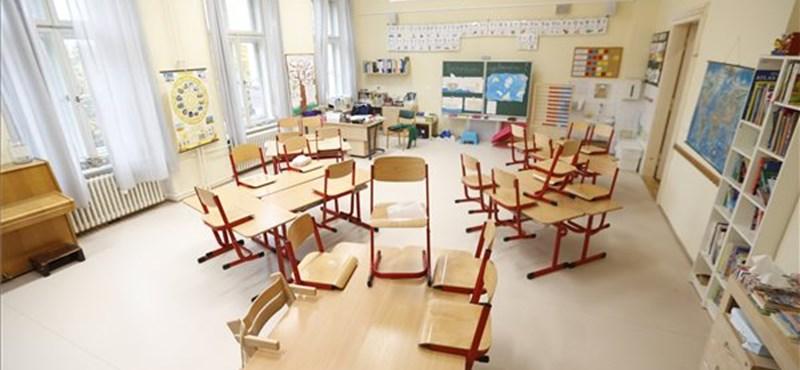 Külföldi kitekintő: újabb országok döntöttek az iskolabezárás mellett
