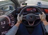 Nem vall szégyent az Autobanon a 300 lóerős Volkswagen Golf GTI Clubsport