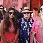 Olyan bazi nagy ez az indiai lagzi, hogy még Beyoncé is tiszteletét teszi