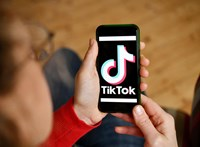 Hogyan lett a kereskedelmi háború frontja egy app, ahol kamaszok táncolnak?