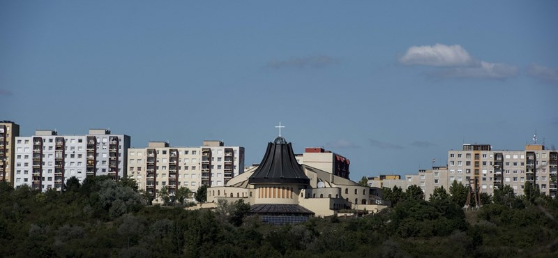 Csepeli sportcsarnok-templomot kap Orbántól az egyház