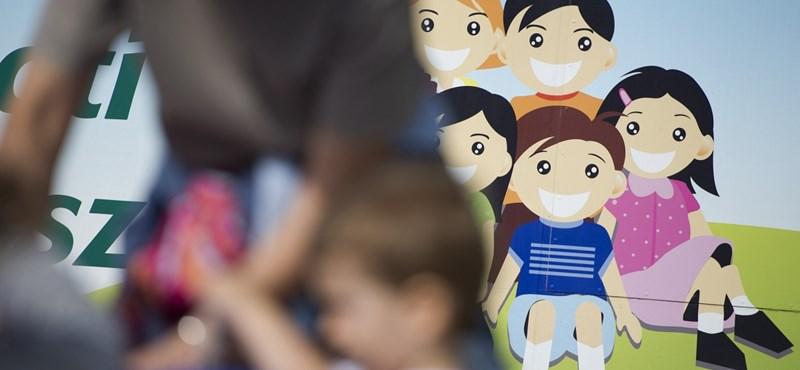 Kiverte a biztosítékot az állami díjak megszüntetésének terve a pedagógusoknál