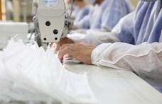 A New Balance cipők helyett maszkokat gyárt