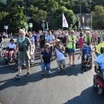 A plakátbotrány miatt vonult a Bazilikához a Szolidaritási séta