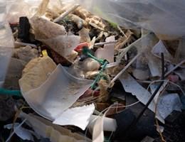 Nem sokat ér, ha csak az óceánok felszínéről szedik le a műanyagot