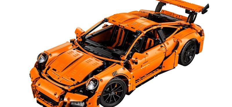 2700+ darabból kell összerakni a Lego Porschét