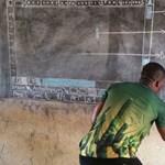 Egy igazi tanár nem ismer akadályt: egy ghánai tanár krétával, táblán tanítja a Wordöt – a Microsoft azonnal reagált