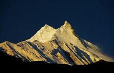 """Egy makói """"hegymászótanoncnő"""" eljutott a világ 8. legmagasabb csúcsára"""