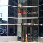 A S&P tartja a negatív magyar kilátást, a Fitch a bankjainkat szebbnek látja