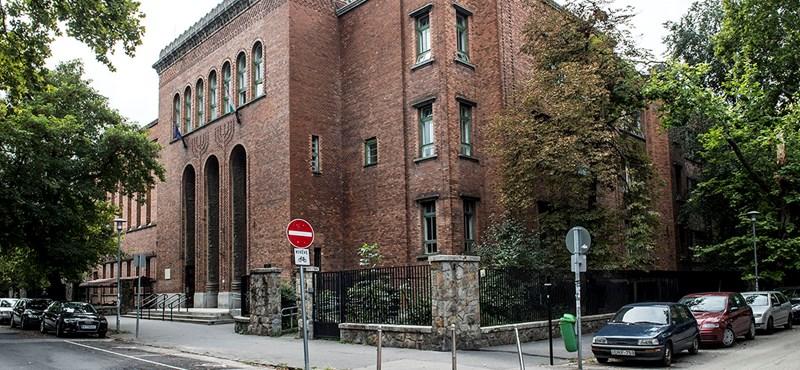 Siralmas állapotban van a Radnóti épülete