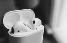 Két új fülesen is dolgozhatnak az Apple-nél, az egyik egy telefon árába kerül