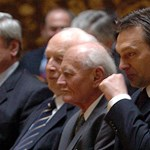 Miniszterelnöknek nevezte Göncz Árpádot a rendőrség