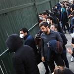 A tojásdrágulástól a rendszerellenes jelszavakig – megrengetheti-e a tüntetéshullám Iránt?